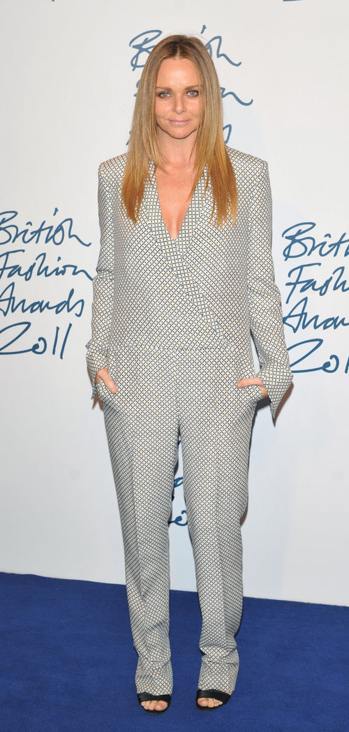 Stella McCartney erschien bei dem British Fashion Award in einer eigenen Kreation