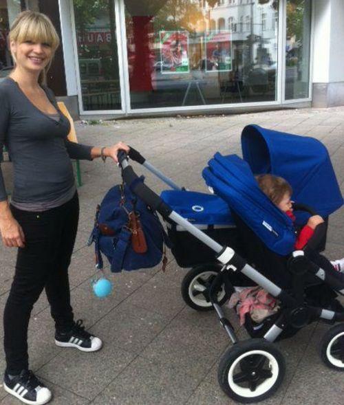 Susan Sideropoulos auf Erkundungstour mit ihren Babys
