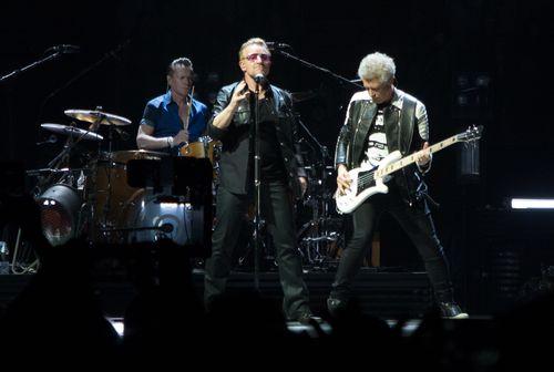 U2 melden sich zum Tod ihres Tourmanagers zu Wort