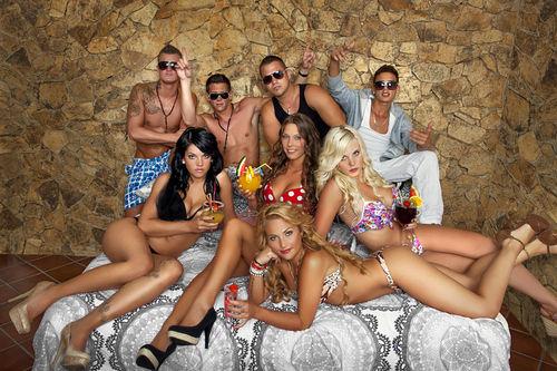 We love Lloret: Die acht Partykracher legen eine heiße Sohle aufs Parkett