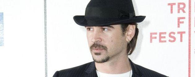 Colin Farrell lässig mit Hut