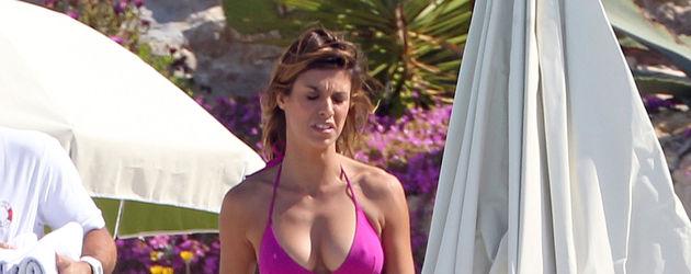 Elisabetta Canalis im pinken Bikini in Cannes