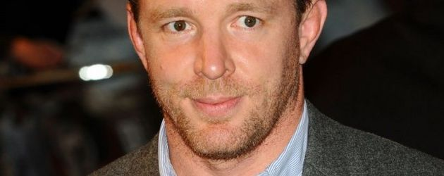 Guy Ritchie mit schlips