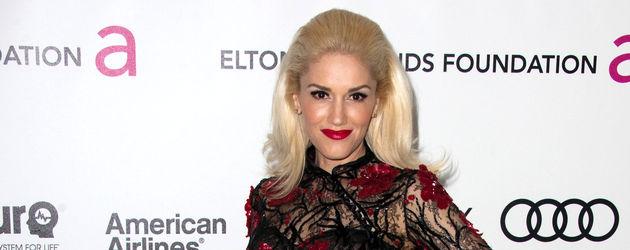 Gwen Stefani im schwarzen Grusel-Kleid