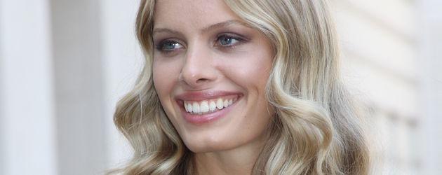 Jana Beller lächelt