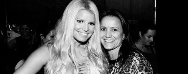 Jessica Simpson mit ihrer Mutter