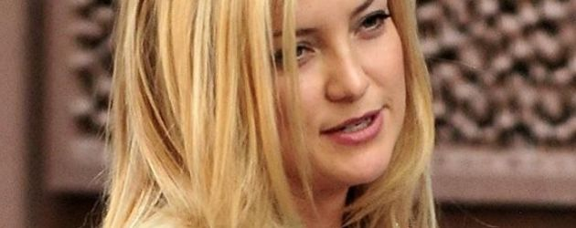 Kate Hudson in beige