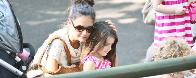 Katie Holmes mit Tochter Suri im Central Park
