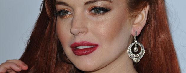 Lindsay Lohan streicht sie durch die Haare