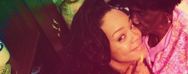 Rihanna mit Oma Dolly