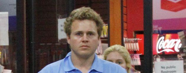 Spencer Pratt im blauen Schlabbershirt