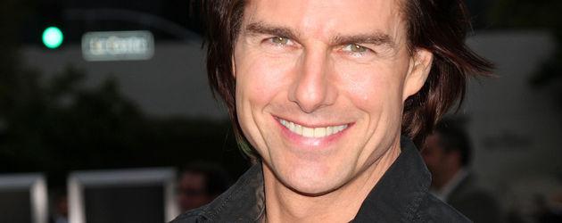 Tom Cruise mit längeren braunen Haaren