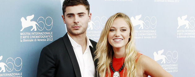 Zac Efron mit Lady in Red