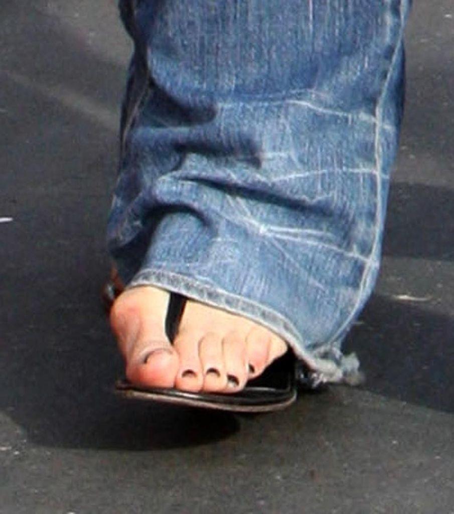 Berühmt Freaky Feet: Victoria Beckham zeigt ihre Ekelzehen | Promiflash.de @NY_06