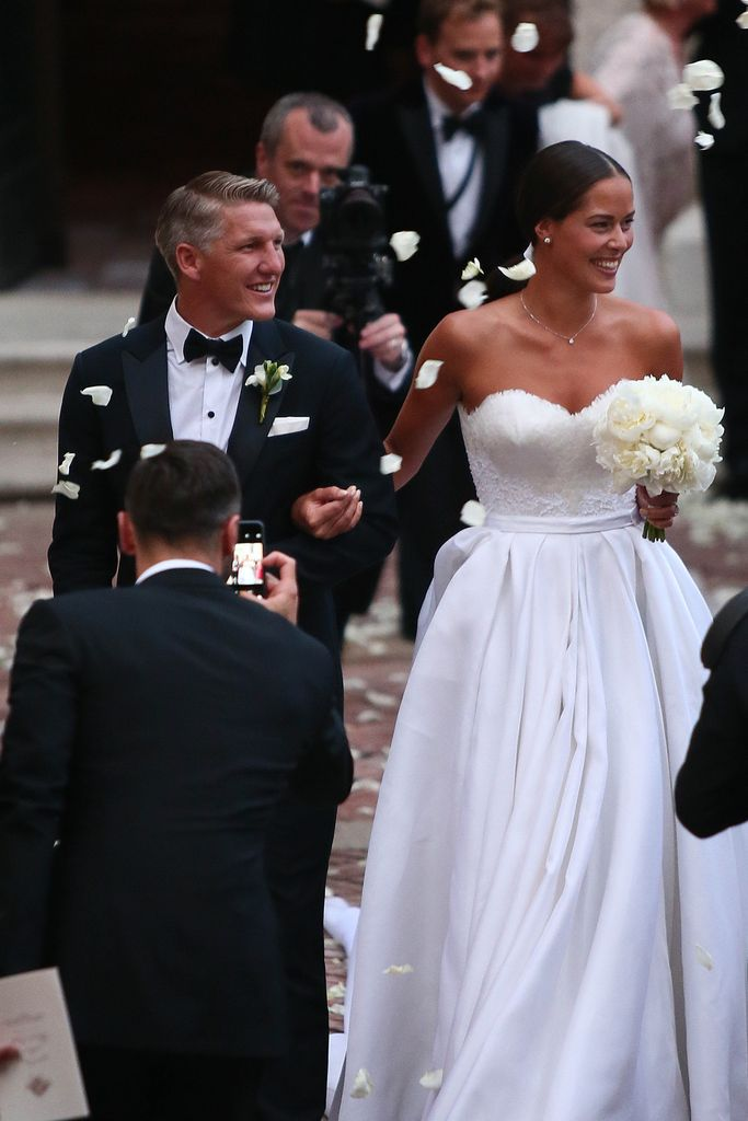 Heirat Von Schweini Ana Dieser Star Fing Den Brautstrauß