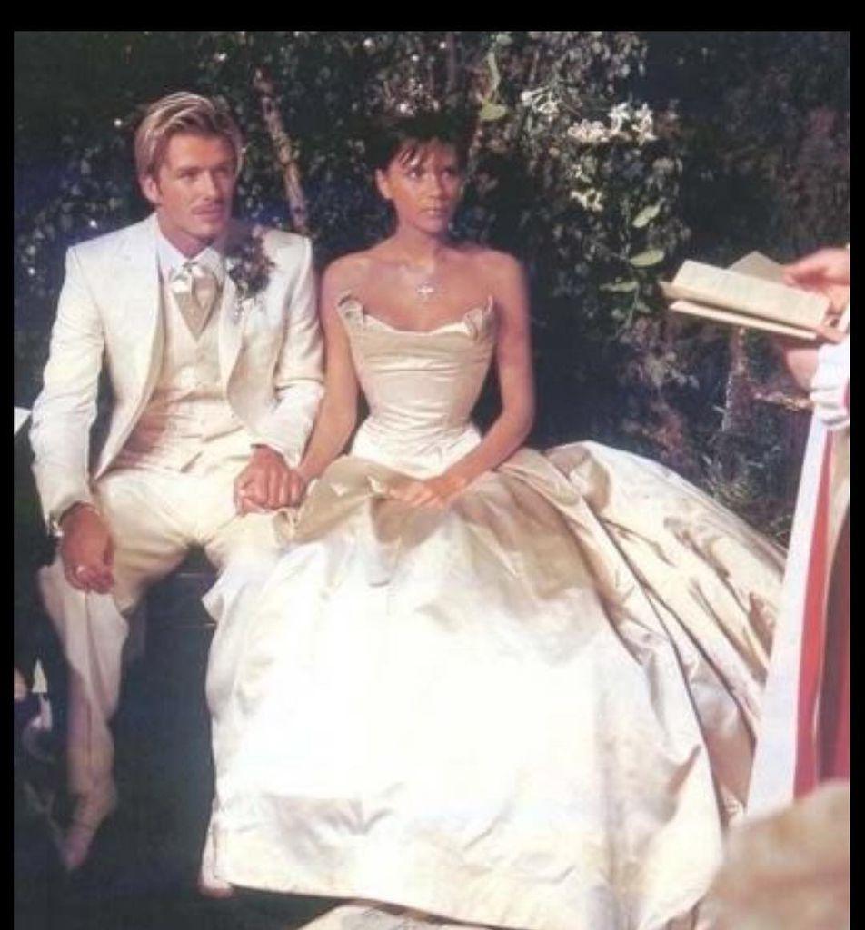 David & Victoria Beckham: Zweites Ja-Wort nach 18 Jahren Ehe ...