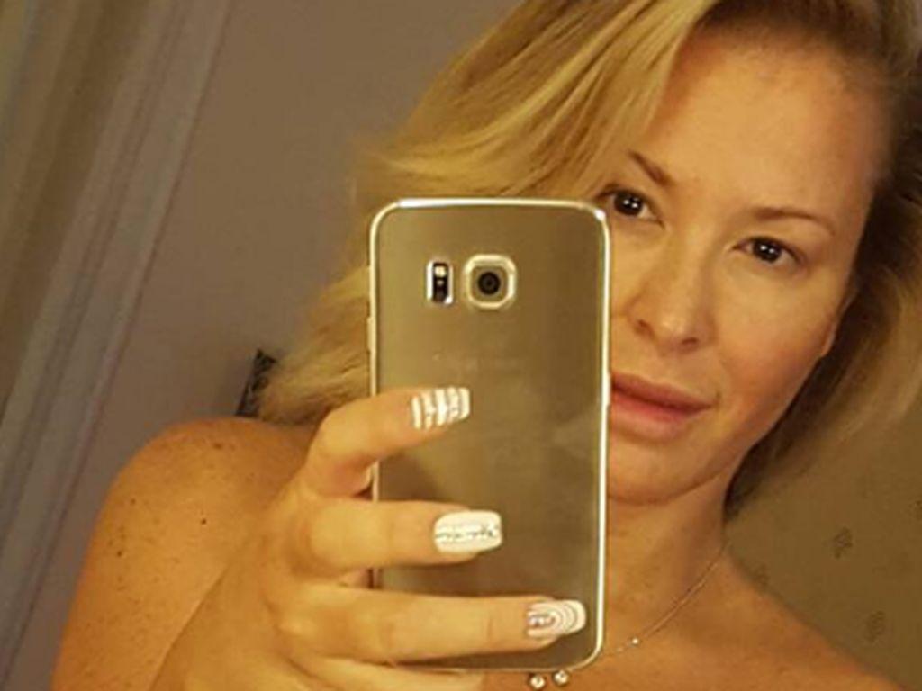 Von Krankheit gezeichnet: Anastacia postet Nackt-Selfie