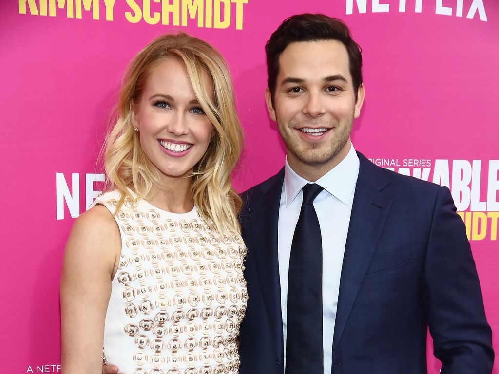 Anna Camp und Skylar Astin bei Serien-Premiere in New York