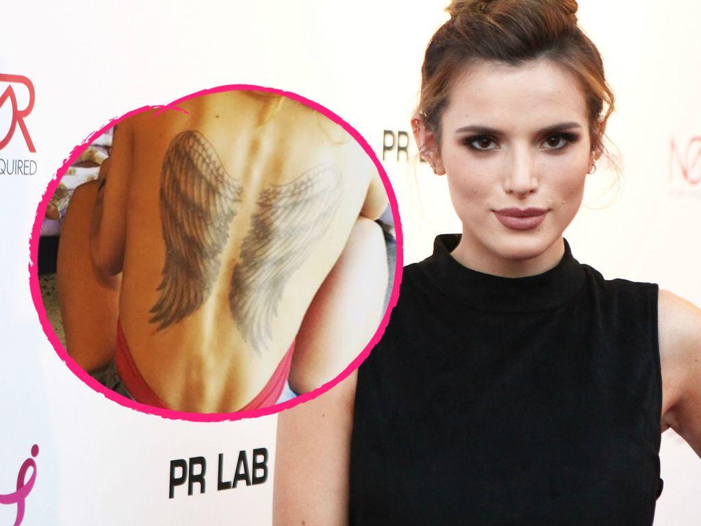 Bella Thorne mit Flügel-Tattoo auf dem Rücken