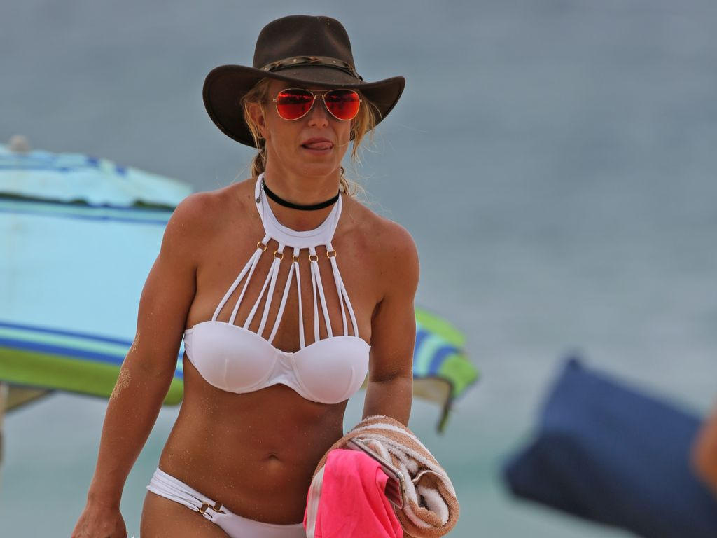 Britney Spears am Strand von Hawaii