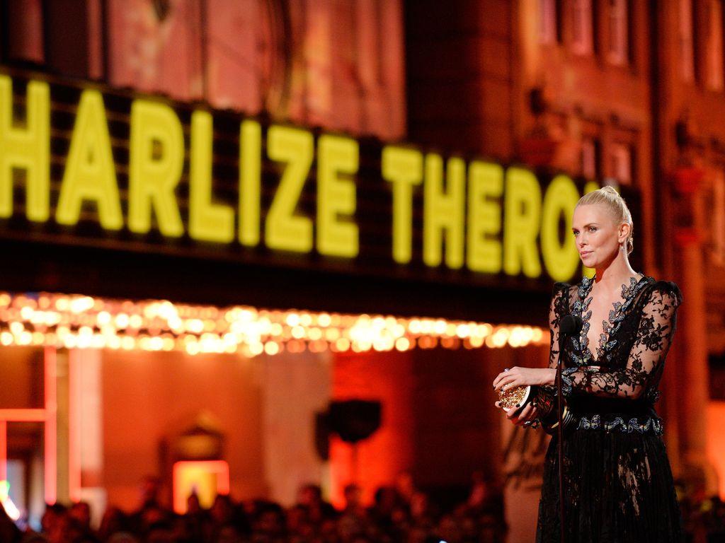 Charlize Theron auf den MTV Movie Awards 2016