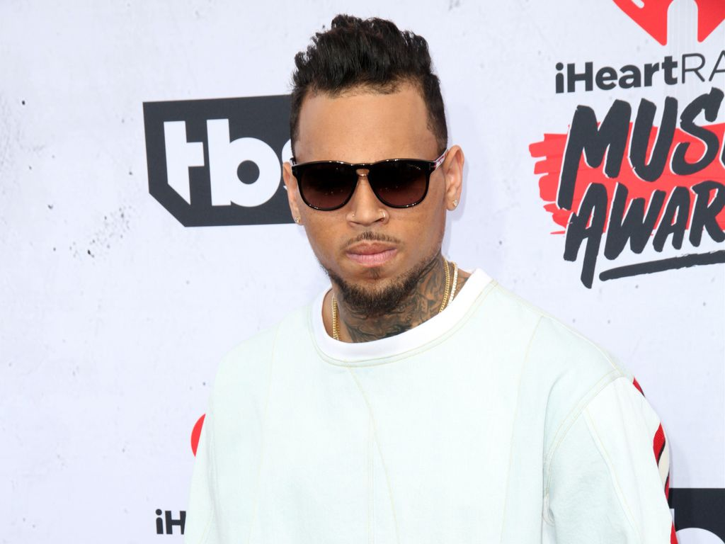 "Chris Brown im April 2016 bei den ""iHeart Radio Music Awards"" in Los Angeles"