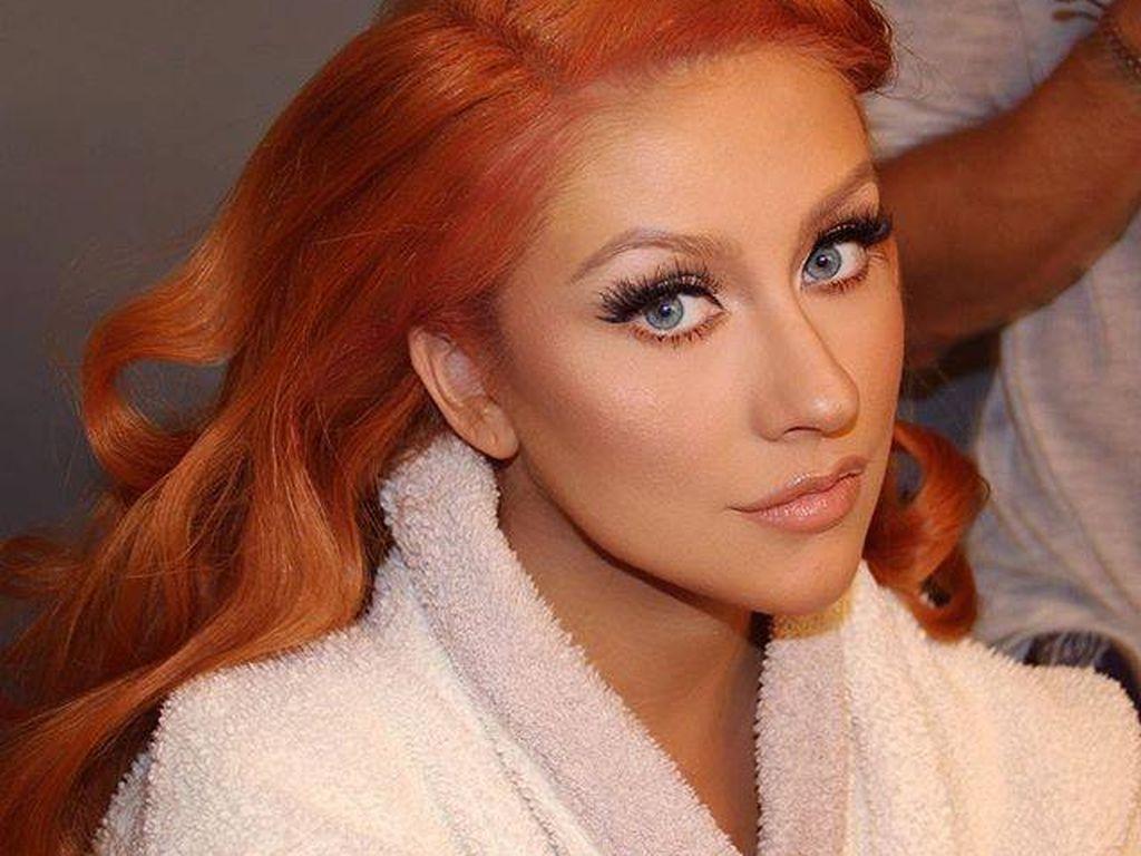 Christina Aguilera beim Styling