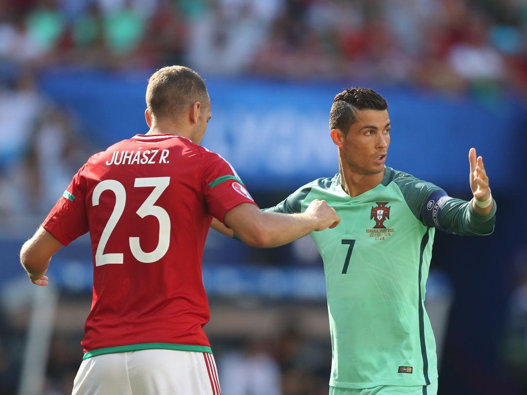 Cristiano Ronaldo & Roland Juhász beim Spiel Ungarn gegen Portugal bei der EM 2016 in Lyon