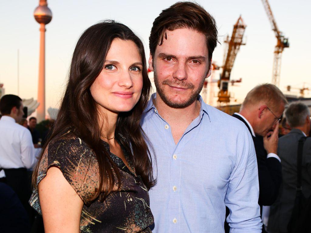 Daniel Brühl und seine schwangere Freundin Felicitas Rombold bei der Eröffnung der UFA-Filmnächte