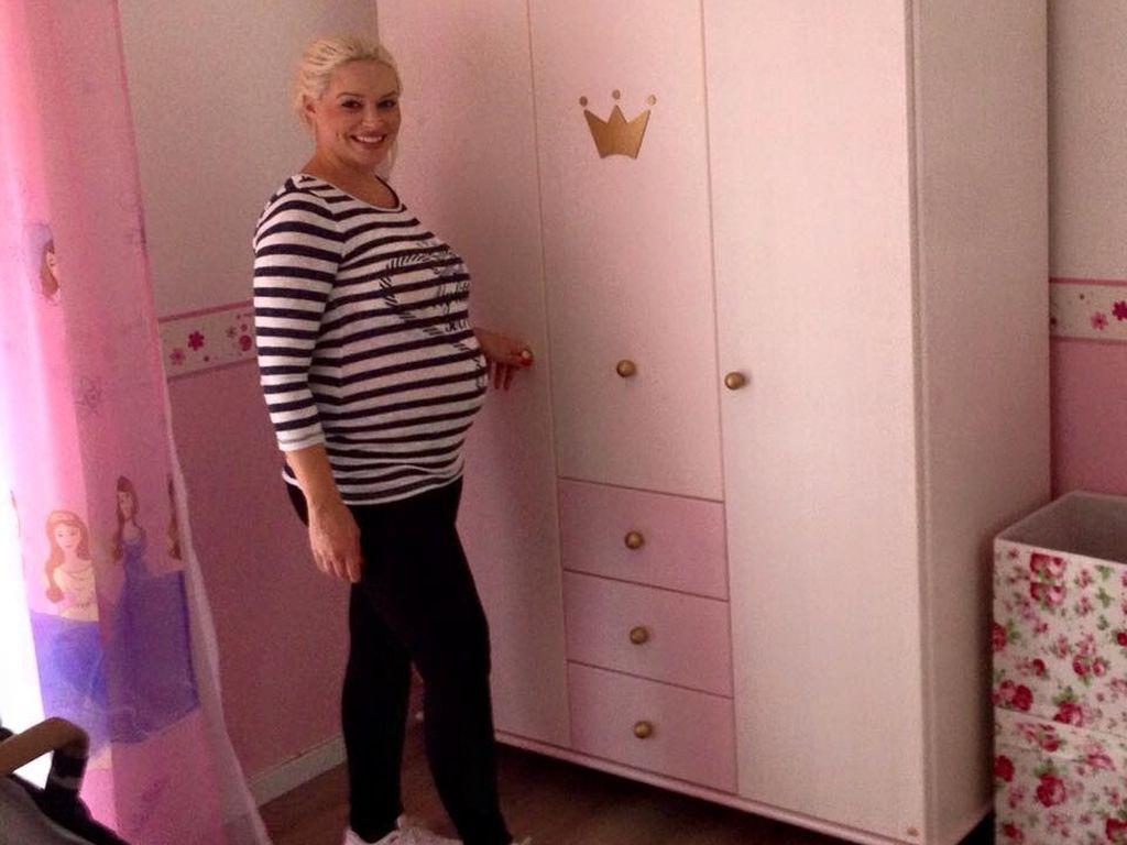 Daniela Katzenberger mit Baby-Bauch