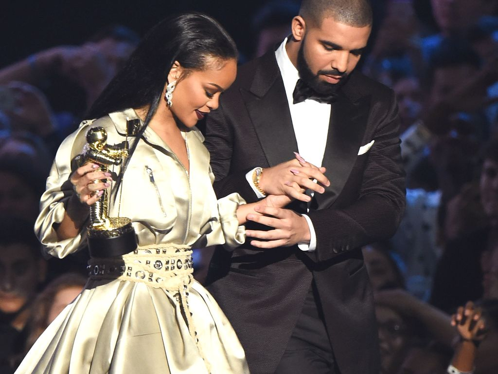"""Drake und Rihanna bei der Verleihung des """"Michael Jackson Vanguard Awards 2016"""""""