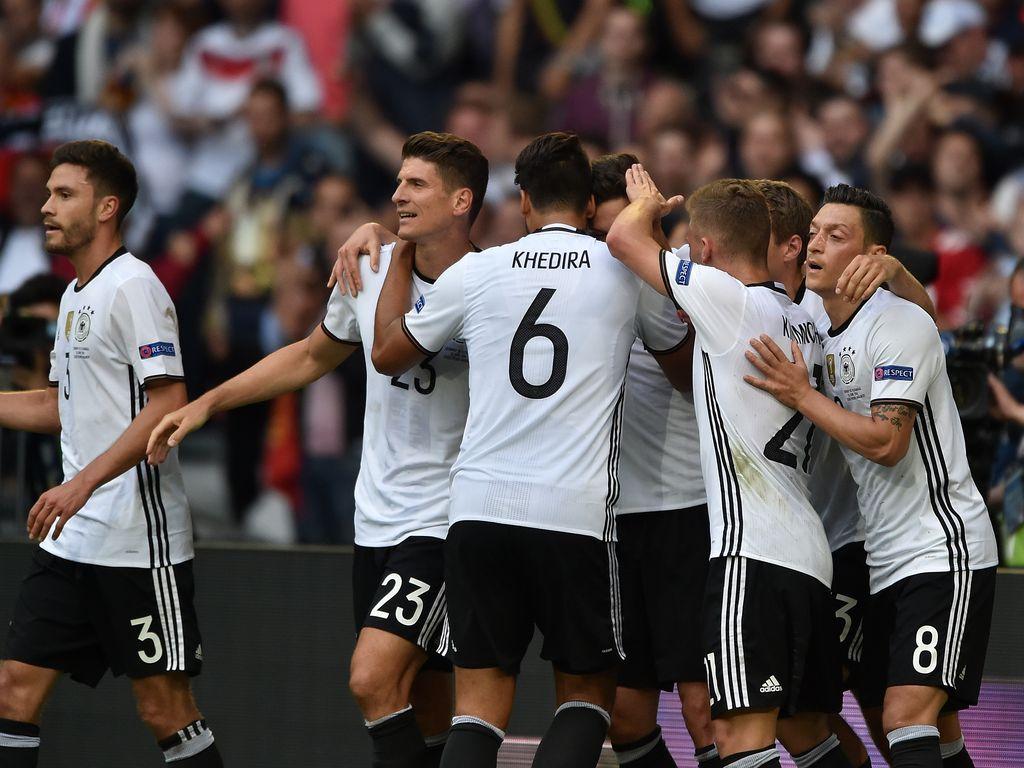 DFB-Chef Grindel: Keine WM in einem Land, das Terror unterstützt