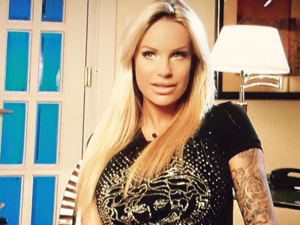 Gina-Lisa Lohfink in einer Interview-Situation