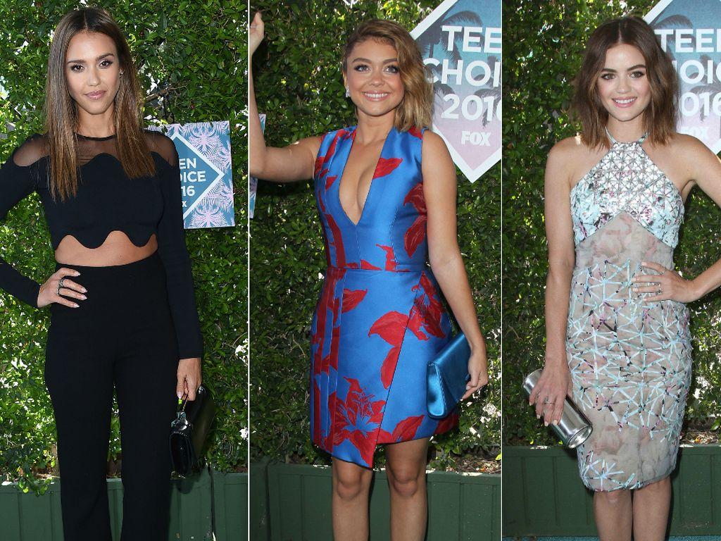 Jessica Alba, Sarah Hyland und Lucy Hale bei den Teen Choice Awards 2016