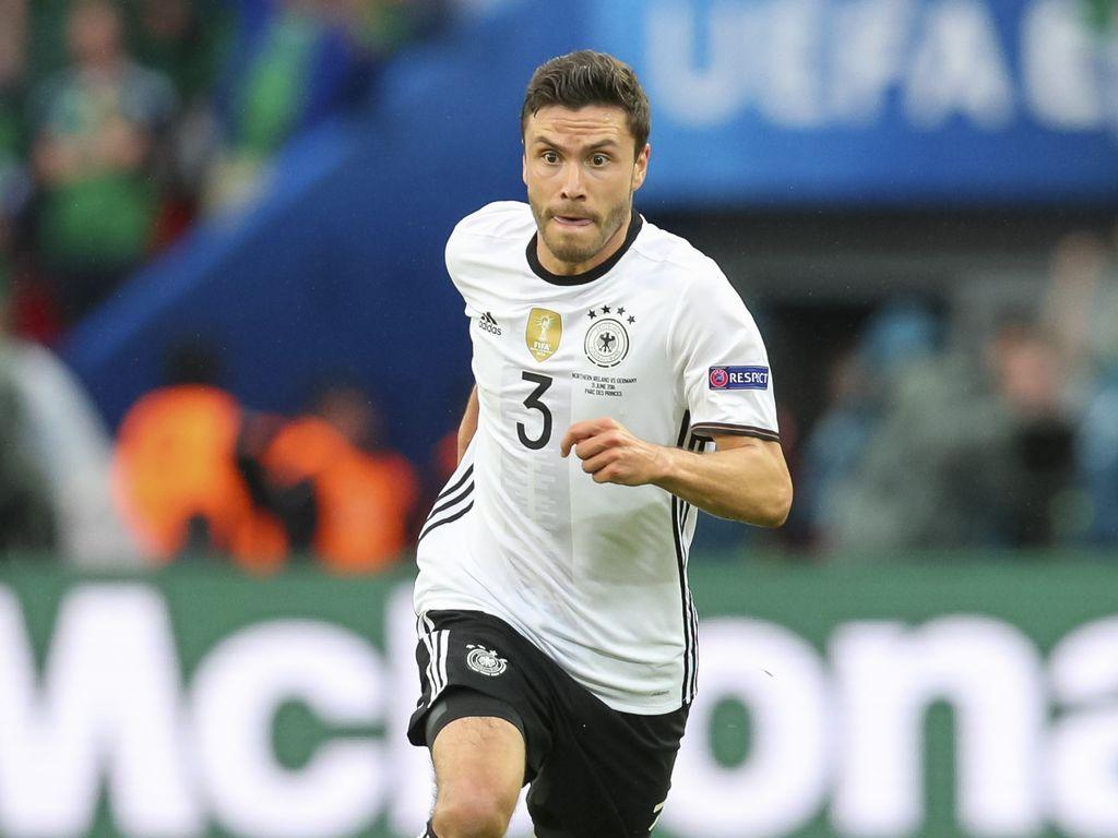 Jonas Hector beim Spiel Nordirland vs. Deutschland bei der EM 2016