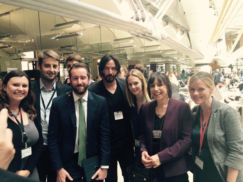 Keanu Reeves mit britischen Politikern