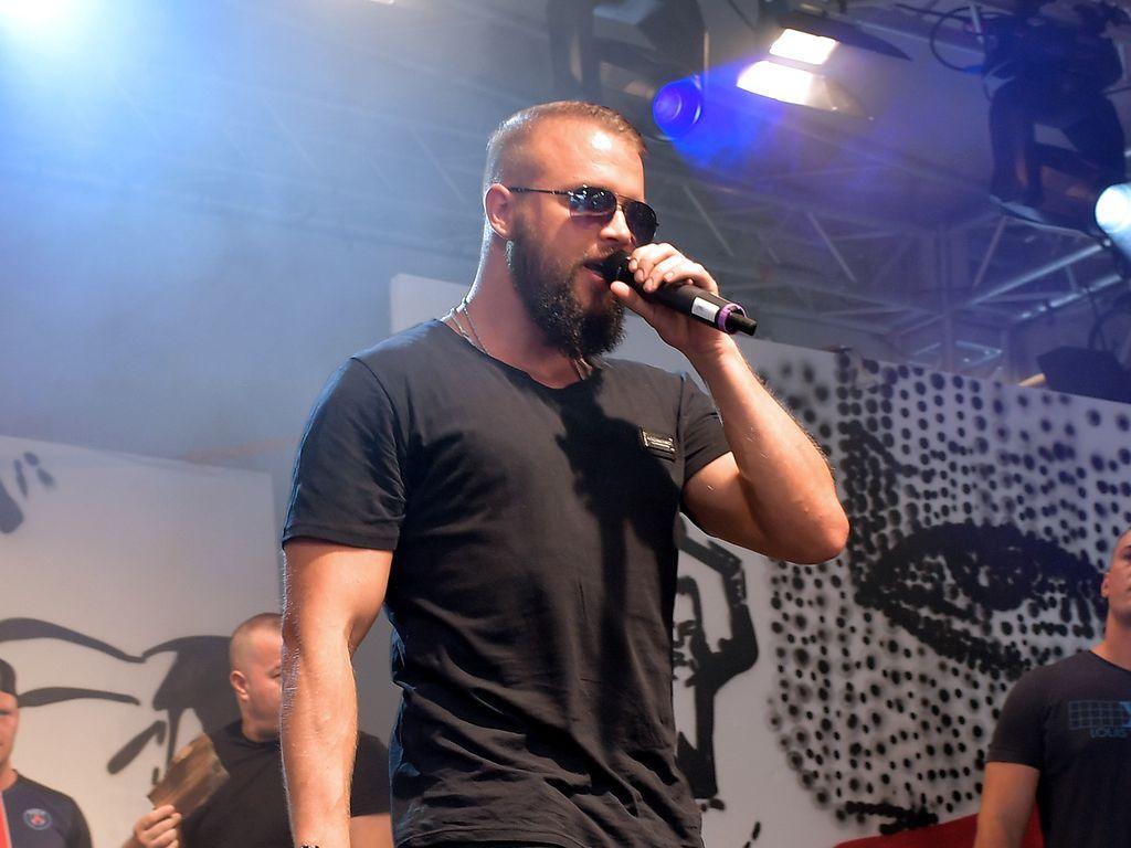 Kollegah bei einem Auftritt 2016