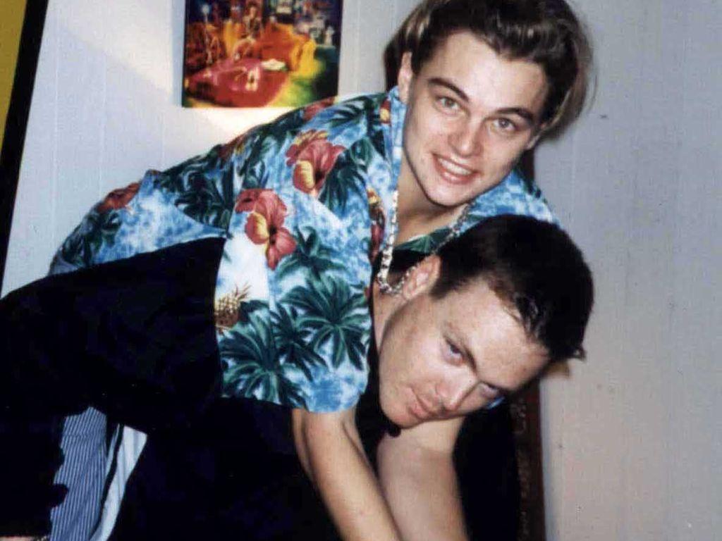 Leonardo DiCaprio mit seinem Stiefbruder Adam Farrar