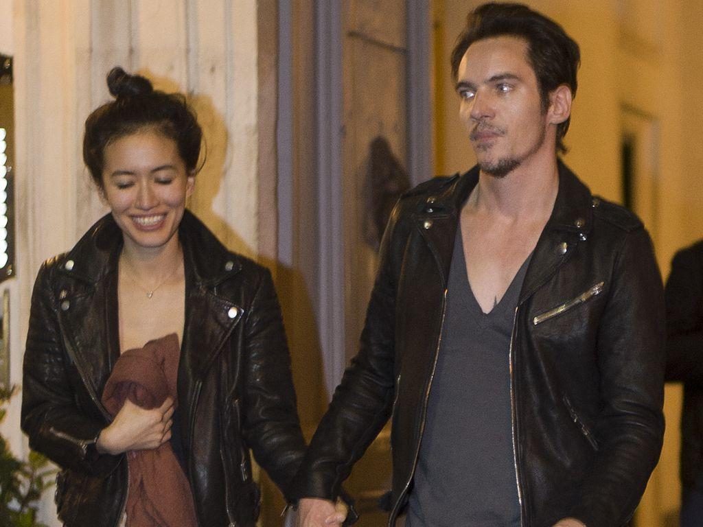 Mara Lane und Jonathan Rhys Meyers in Rom
