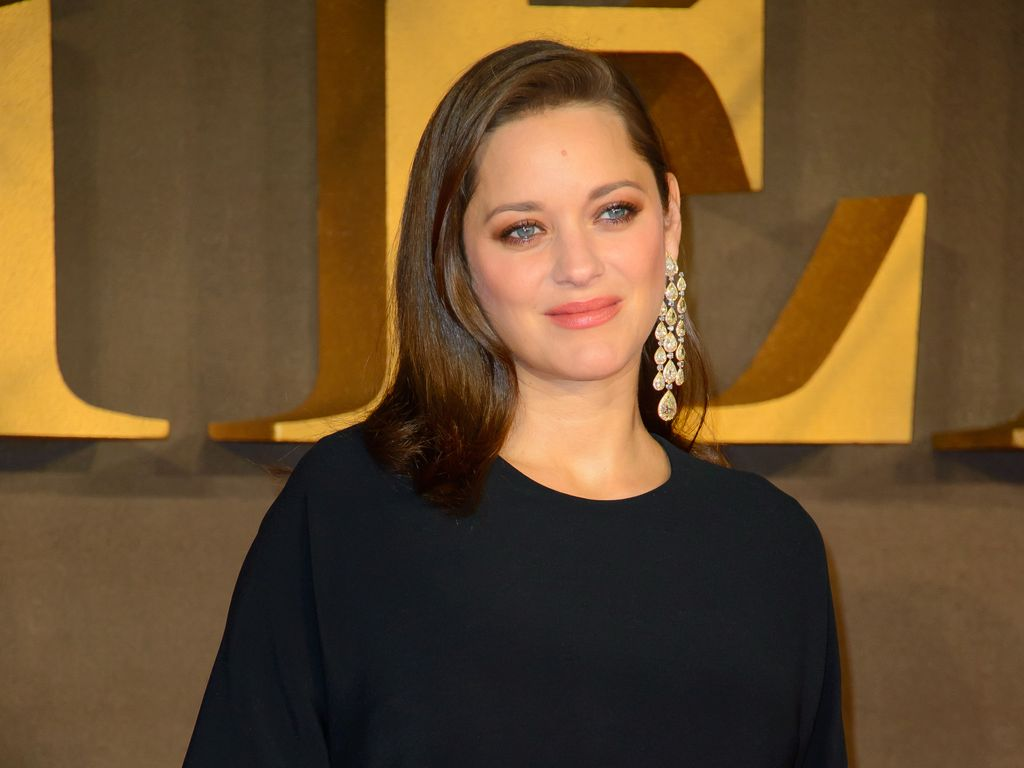 "Marion Cotillard auf der ""Allied""-Premiere in London"