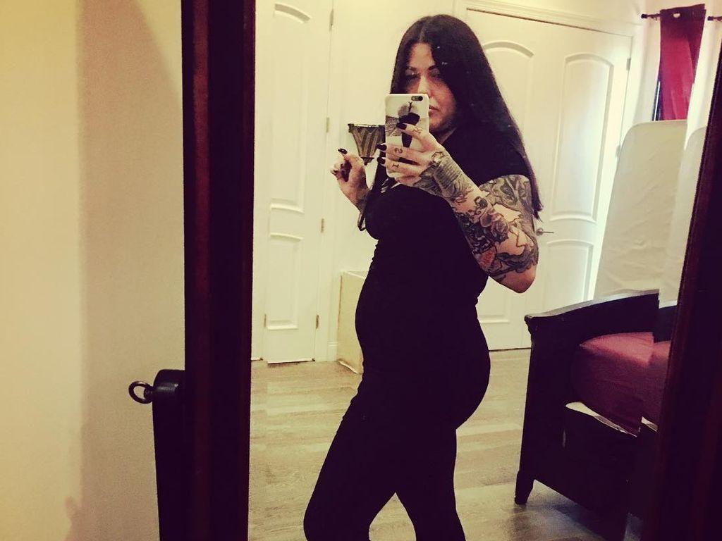 Mia Tyler in der 1. Schwangerschaft