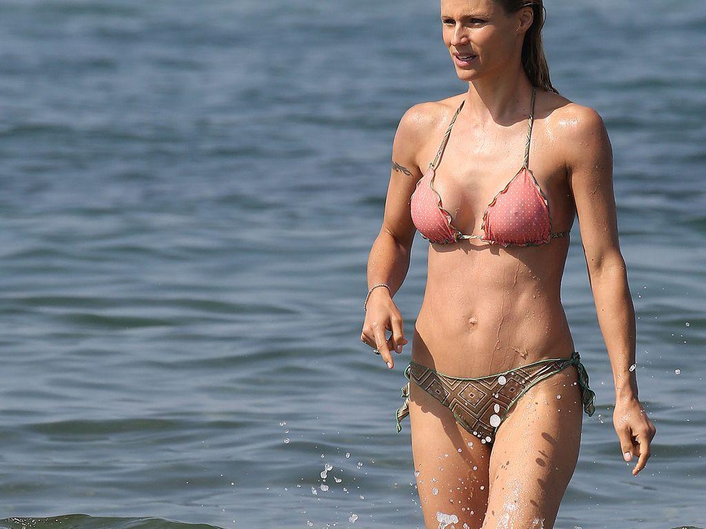Michelle Hunziker in in Forte dei Marmi, Italien