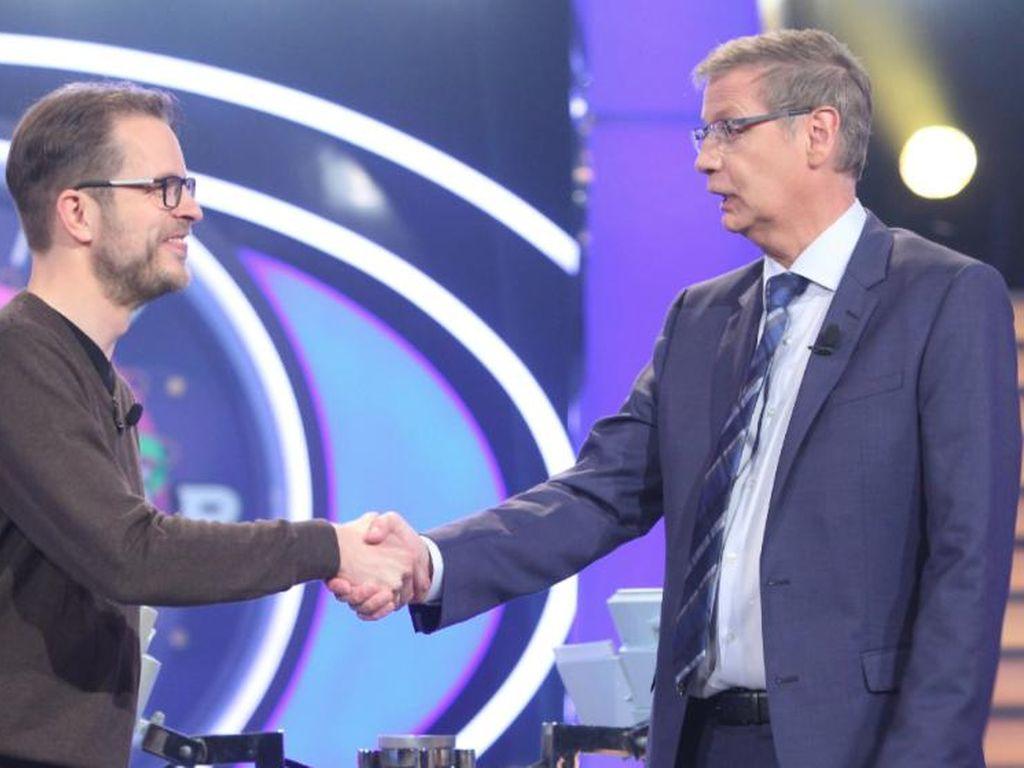 Moderator Günther Jauch mit Ulrich Kurt Rudolf Kögel