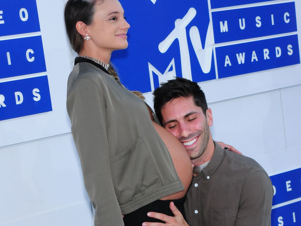 Laura Perlongo und Nev Schulman bei den MTV Video Music Awards 2016