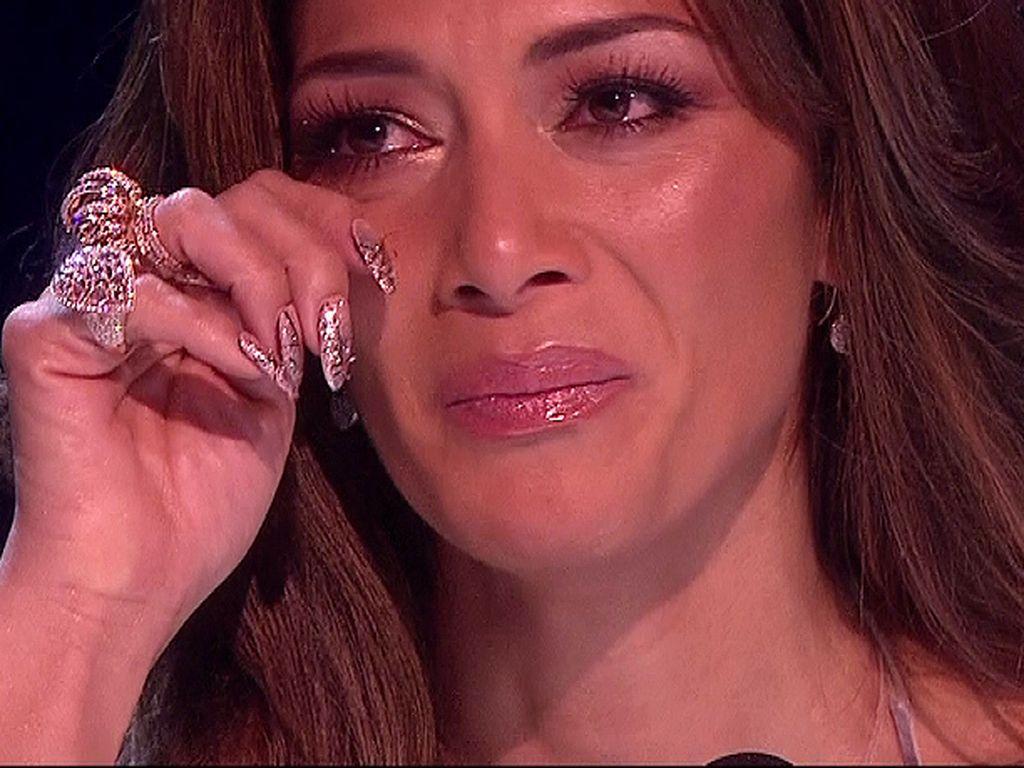 Zu Tränen gerührt: Nicole Scherzinger weint im TV | Promiflash.de