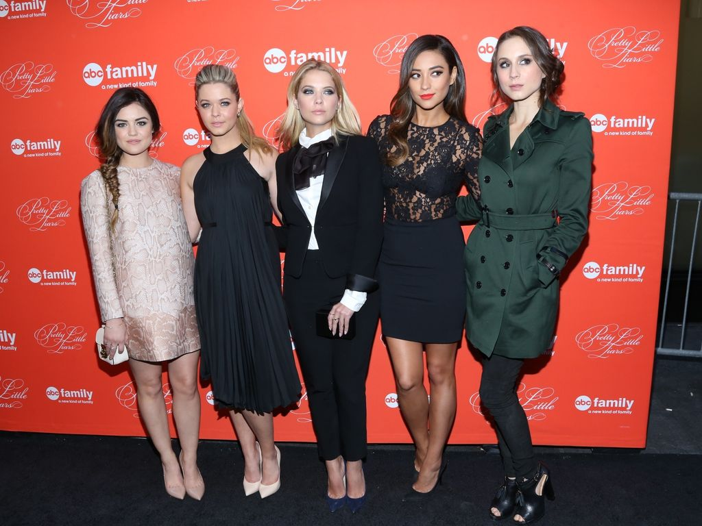 Shay Mitchell, Ashley Benson, Lucy Hale und Troian Bellisario