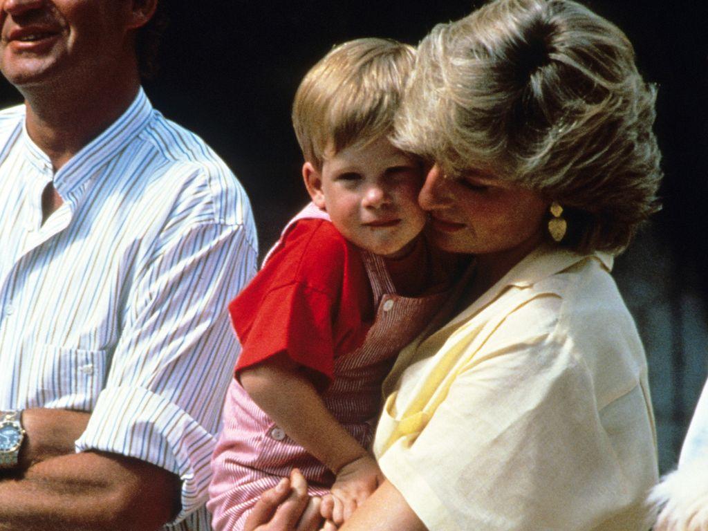 Prinzessin Diana mit ihrem Sohn Harry