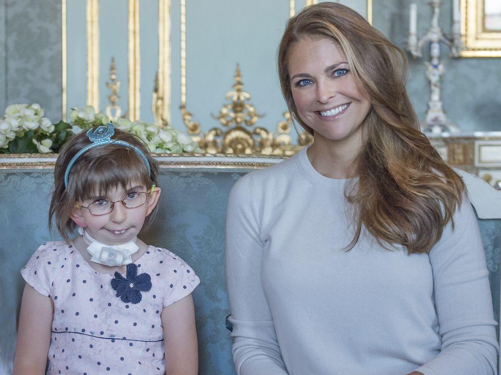 Prinzessin Madeleine von Schweden mit Fan Enna