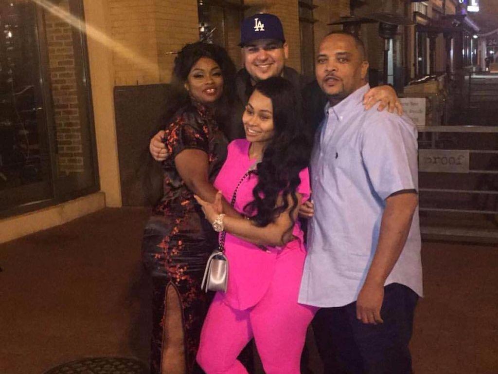 Rob Kardashian mit Blac Chyna und ihren Eltern