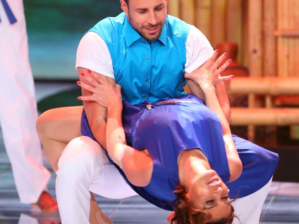 """Sabia Boulahrouz und Leonard Freier in der 1. Folge von """"Dance Dance Dance"""""""